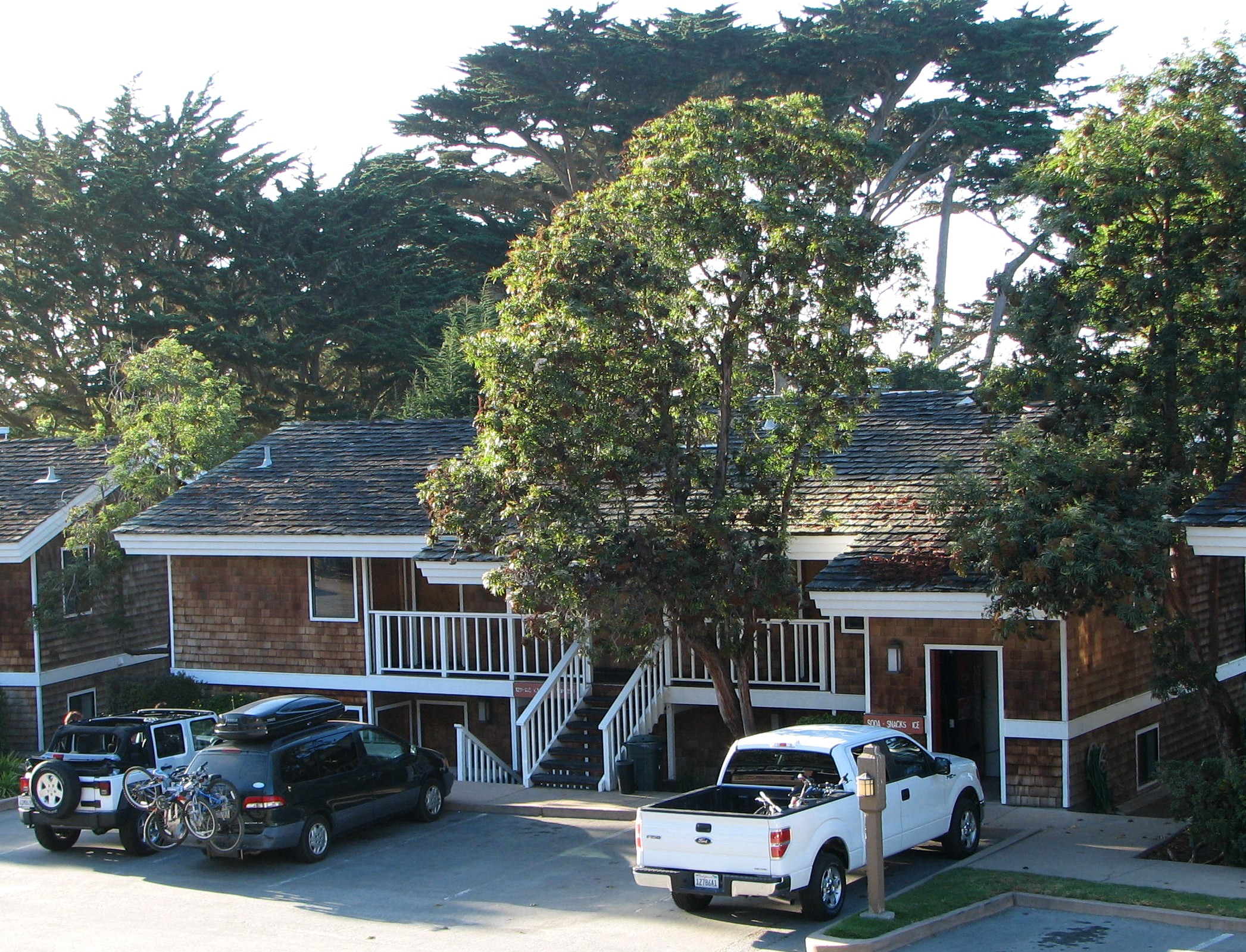more bike friendly lodging in monterey county bicycling monterey rh marilynch com cottages monterey ca cottages monterey ca