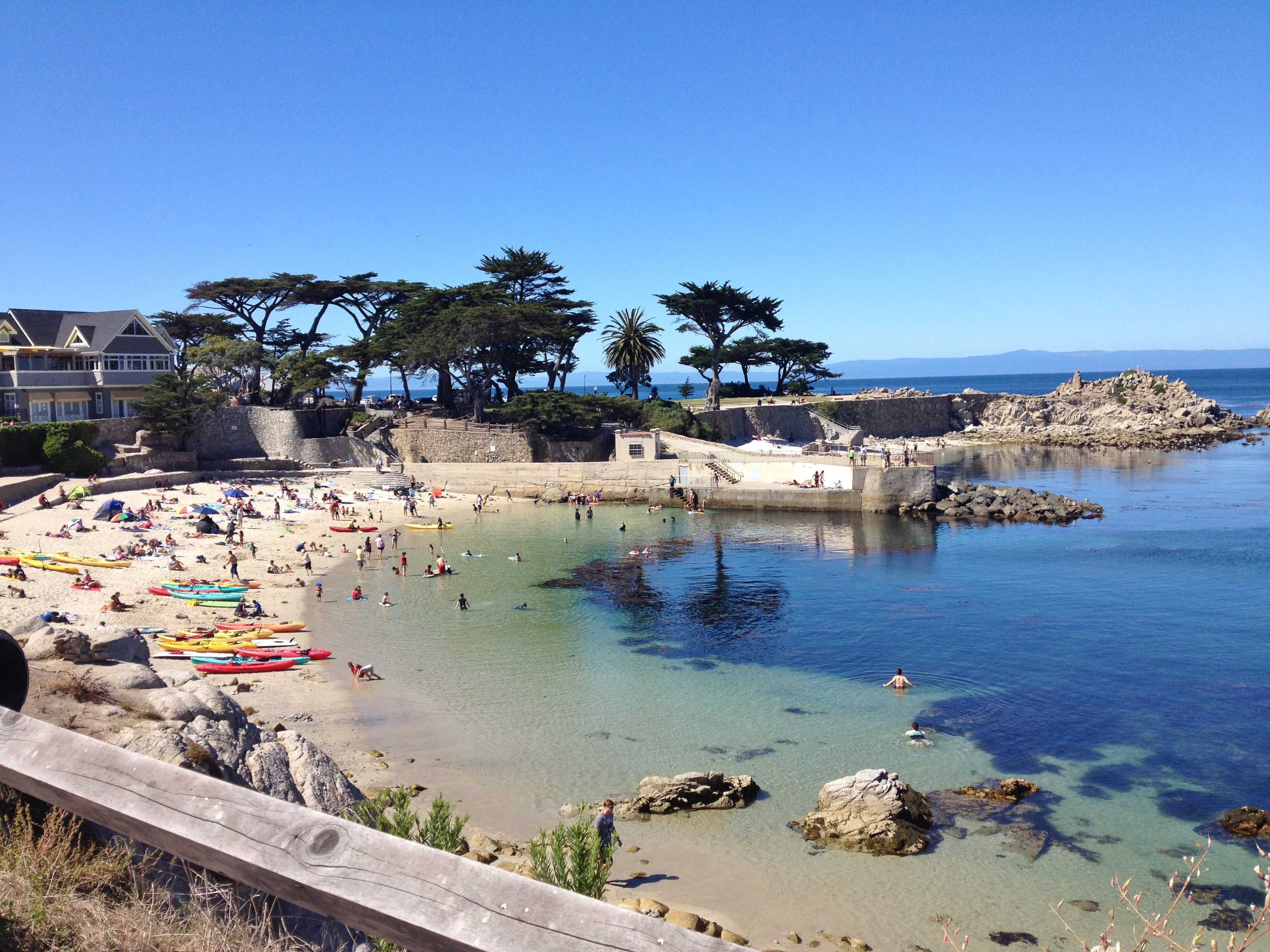 monterey ca Enjoy stunning ocean and beach views, private balconies, feather bedding, complimentary breakfast, granite bathrooms and beautiful monterey, ca lodging.